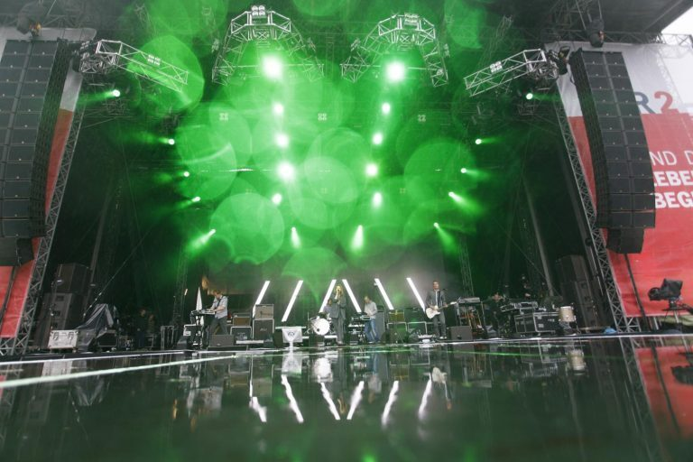 satis&fy rocks the Park and the Ring with L-ACOUSTICS K1