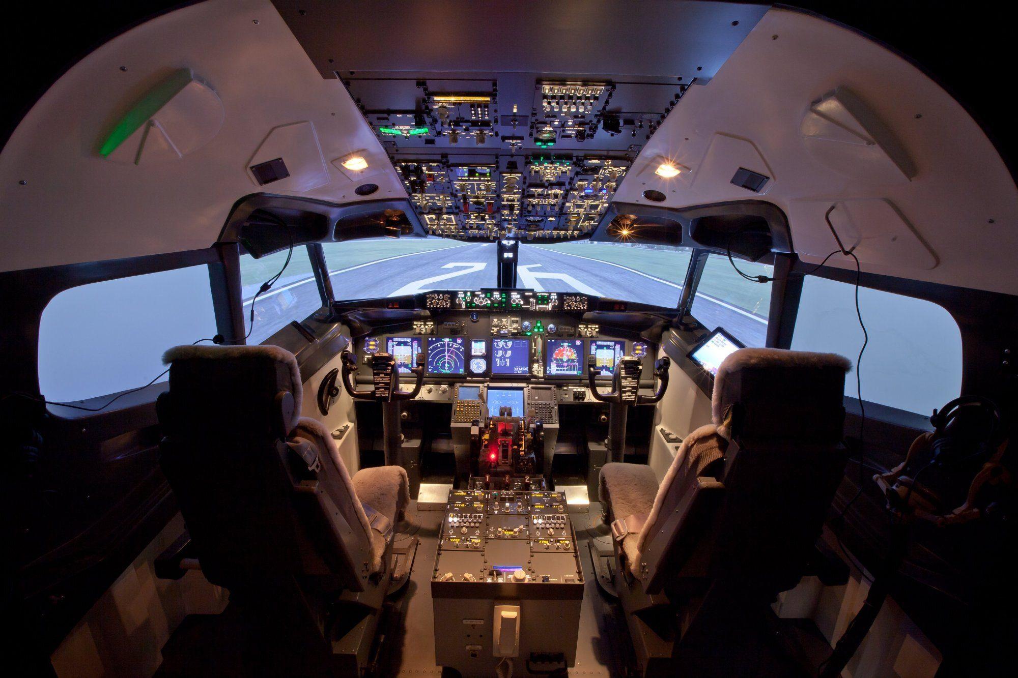 girl-free-aviation-cockpit-sounds