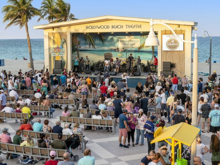 D.A.S. Audio Keeps the Crowds Energized at Hollywood Beach Bandshell