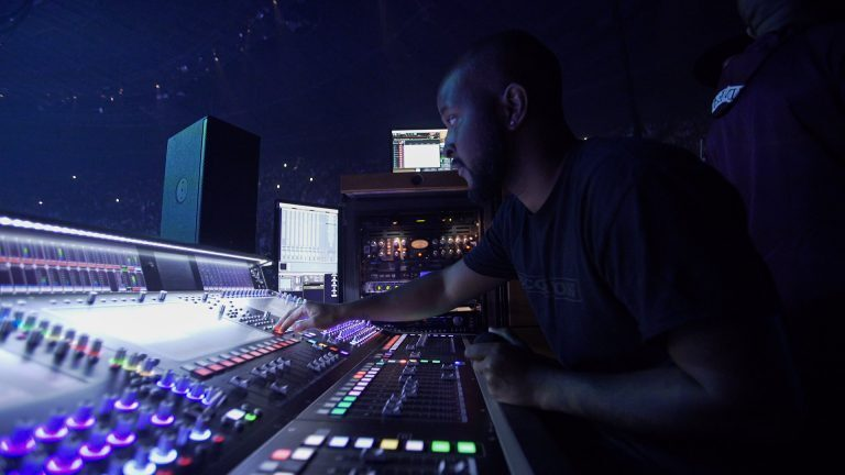 Drake's FOH engineer Demetrius Moore using the CS7p as a FOH monitor on the 2018 Aubrey and the Three Migos Tour