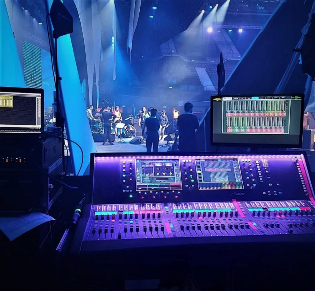 DLIVE MIXES ERSTE GROUP ANNIVERSARY CELEBRATIONS