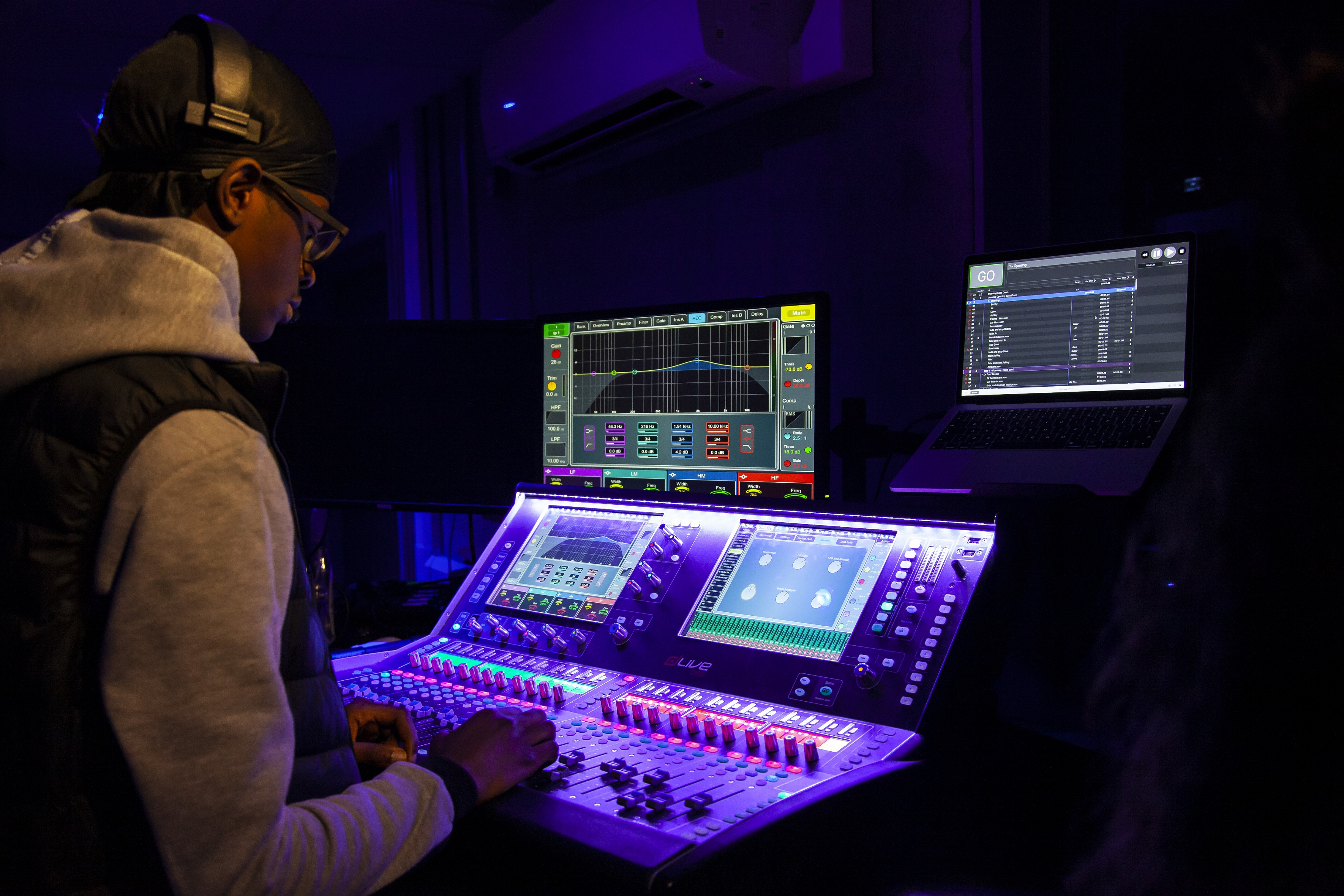 LEEDS CITY COLLEGE STUDENTS GET CREATIVE WITH DLIVE