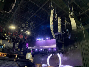 "Jason Aldean ""We Back"" 2020 tour pulls out all the stops with new d&b KSL rig."