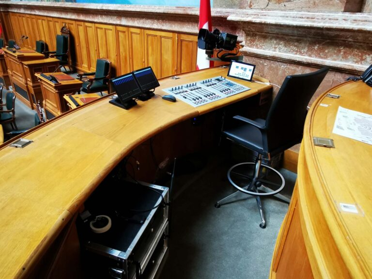 Swiss Parliament Continues to Rely on Stage Tec