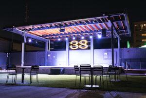 Indoor restaurant chooses d&b for outdoor concert venue.