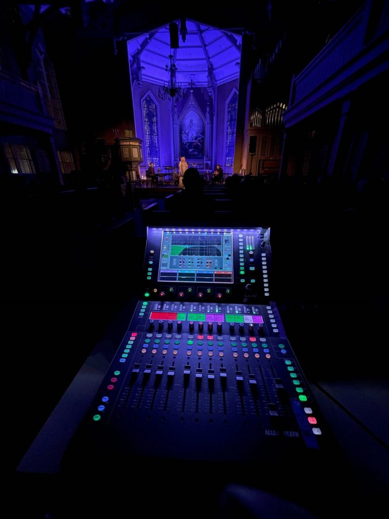 dLIVE CTi1500 NORTHERN LIGHT TOURING WITH HELENE BØKSLE